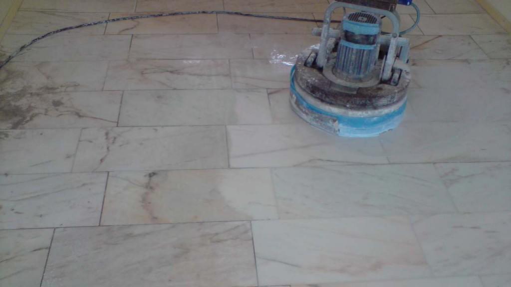 Natuursteen vloer laten leggen wat is de prijs per m